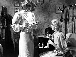 Katharine Hepburn en Ginger Rogers in Stage Door