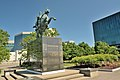 Statue équestre de Simon Bolivar - Parc de l'Amérique-Latine à Québec.jpg