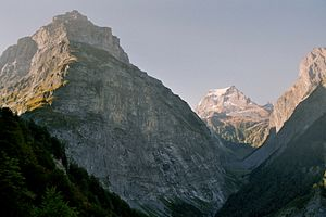 Tödi - Tödi (middle) in the far back with the prominent Sandgipfel (right) and Glarner Tödi (left) from the upper Linth Valley. To the left the 2750 m high Vorder Selbsanft and to the right the 2644 m Zuetribistock