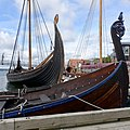 Tønsberg Norway Saga Oseberg Farmann Kristina av Tunsberg Viking ship boat replicas Harbour Havn Pier Board walk Dock Brygga Lindahlplan Vikingodden Byfjorden Kaldnes bro footbridge Forstevn Prow etc 2019-08-16 04217.jpg