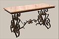 Table basse (Dalbéra Frères, Nice) (5336748810).jpg