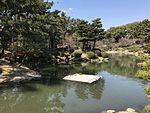 Takueichi Pond in Shukkei Garden 24.jpg