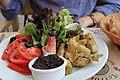 Tapenade et salade composée.jpg