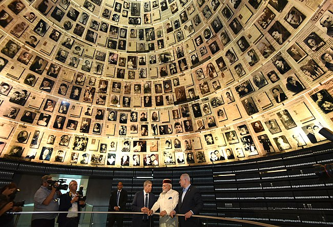 The Prime Minister, Shri Narendra Modi and the Prime Minister of Israel, Mr. Benjamin Netanyahu visiting the Yad Vashem Holocaust Memorial, in Jerusalem, Israel on July 04, 2017 (1).jpg