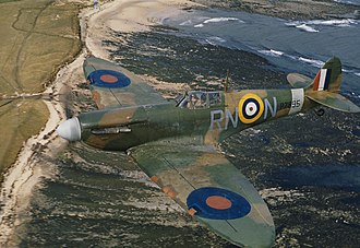 Aircraft camouflage - Supermarine Spitfire in disruptively patterned RAF 'Sand and Spinach' uppersurface camouflage, 1941