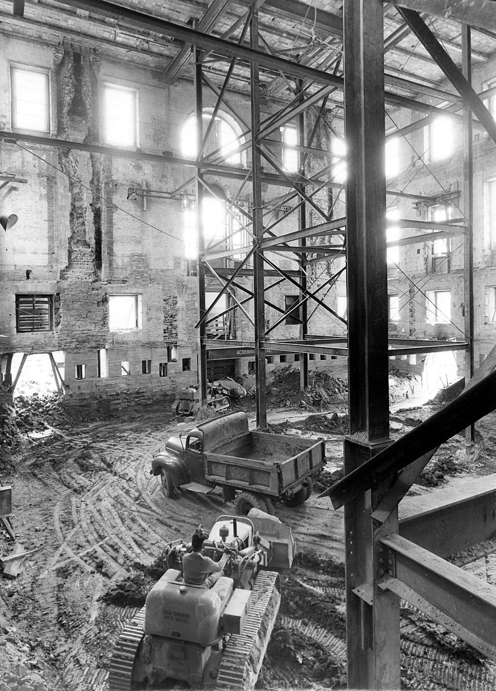 The Shell of the White House during the Renovation-05-17-1950