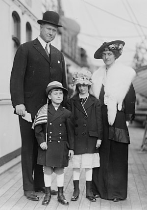 Henry Worth Thornton - Thornton and family in 1915