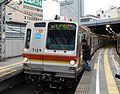 Tokyo Metro 7000 kei sibuya station.jpg