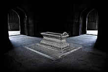 Tomb of Safdarjung, New Delhi.jpg