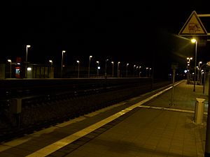 Allersberg (Rothsee) station - Image: Train station NALB at night Allersberg DE 2007 03 05