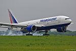 Transaero Airlines, Boeing 777-212(ER), EI-UNS (18205576886).jpg
