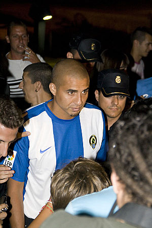 David Trezeguet - Trezeguet during his presentation as a player of Hércules in August 2010.