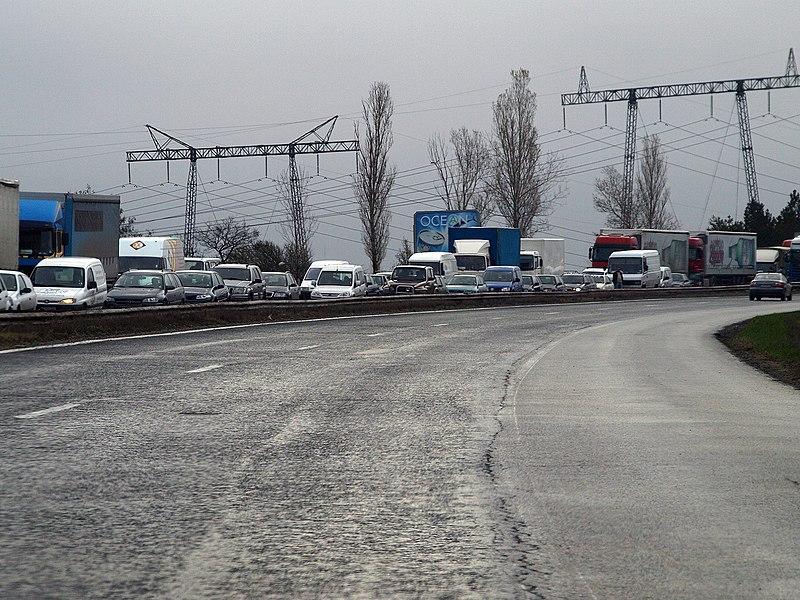 File:Trffic-Jam-on-Tracia-Highway.jpg