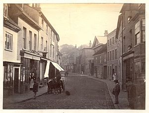 Tring - Tring High Street in the 19th century.