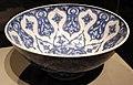 Turchia, iznik, bacinella con rosette, 1510 ca., 01.JPG