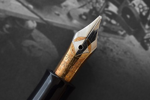 Two-Tone Fountain Pen Nib-Gray.jpg