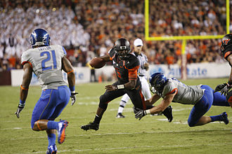 Tyrod Taylor - Taylor scrambles against Boise State