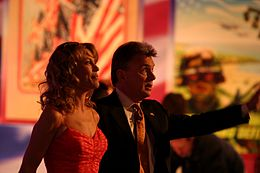 Vanna White and Pat Sajak, 2006.jpg