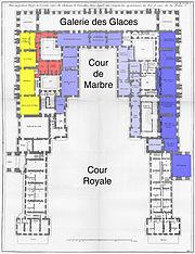 Versailles - Plan du premier étage de l'avant corps - Architecture Françoise Tome4 Livre7 Pl8 (apts colored)