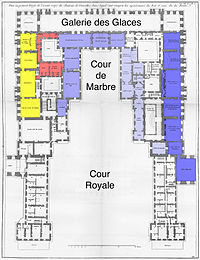 61c3598f4f 1742), showing the grand appartement du roi in dark blue, the appartement  du roi in medium blue, the petit ...