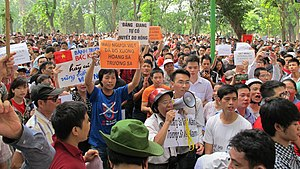 Vietnamese anti-Chinese protests in Hanoi.jpg