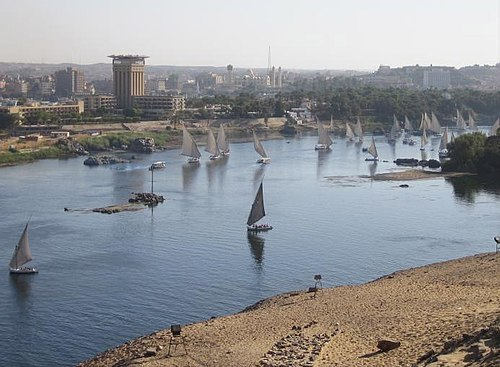 View from the west bank of the Nile, islands, and Aswan View from the west bank to the Nile, islands, and Aswan.jpg