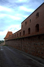 File:Vilnius city wall 05.jpg