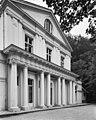 Voorgevel in neoclassicistische stijl - Ubbergen - 20398800 - RCE.jpg