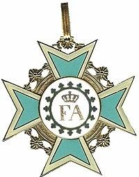 Voorzijde kleinood Orde van de Rautenkrone grijziger.jpg