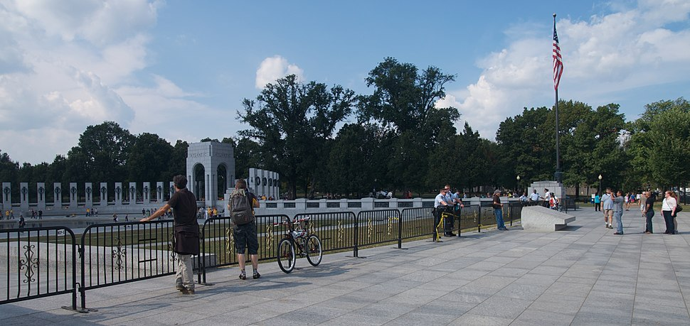 WWII Memorial During Government Shutdown 2013