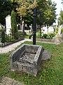 Water well, Alsovaros Cemetery, 2016 Szekszard.jpg