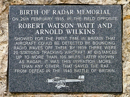 Memorial plaque commemorating Robert Watson-Watt and Arnold Wilkins Watson watt 02 fr.jpg