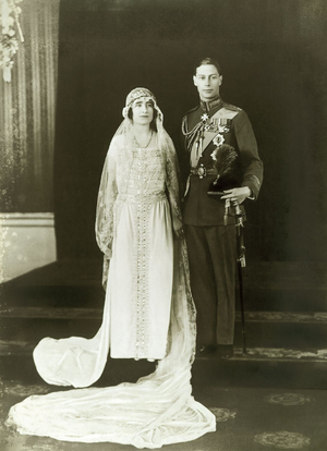 Wedding of Prince Albert, Duke of York, and Lady Elizabeth Bowes-Lyon - Wedding photo with the Duke of York wearing RAF full dress in the rank of group captain.