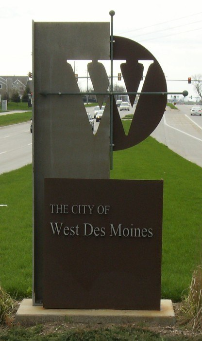 West Des Moines welcome sign on George Mills Civic Pkwy, just west of Interstate 35