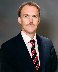 William Robert Graham, NASA photo portrait, November 1985.jpg