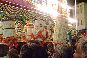 Bangalore Karaga - Thigala womenfolk take over this day and perform aarti service to community deity Draupadi.