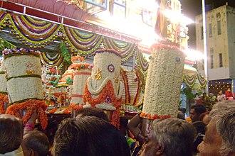 Bangalore Karaga - Thigala womenfolk take over this day and perform aarti service to community deity Draupadi.