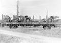 Zwei auf einem Eisenbahnwagen verladene 15cm Haubitzen - CH-BAR - 3239640.tif