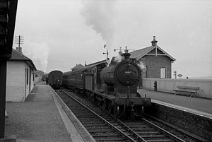 "Fife Coast Railway - Glen Class D30 ""Glenfinnan"" leaving Largo on the Fife Coast Line on a railtour in 1958"