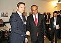 Вигенин с министъра на външните работи на Сингапур К. Шанмугам (9962265534).jpg