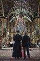 Митрополит Корнилий показывает Владимиру Путину в Покровский собор (3).jpg