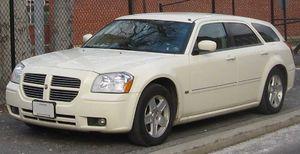 Dodge Magnum - Image: 05 07 Dodge Magnum SXT