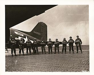 10th Airlift Squadron - Paratroopers about to board an aircraft of the 10 TCS during World War II