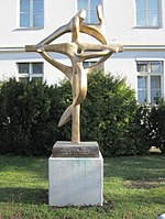 1170 Dornbacher Straße 20-28 - Kruzifix vor dem Krankenhaus Göttlicher Heiland IMG 2159.jpg