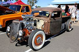 1935 Ford V8 pickup rat rod (7026006429).jpg