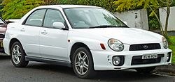 2001-2002 Subaru Impreza (GDE MY02) RS sedan (2011-06-15) 01.jpg