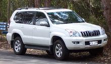 Toyota  FAW  la production du tout-terrain Land Cruiser Prado de 2,7 en mars 2015 dans - MARQUES ET CONSTRUCTEURS CHINOIS. 220px-2003-2007_Toyota_Land_Cruiser_Prado_%28GRJ120R%29_02