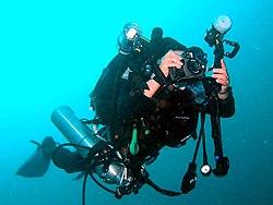 2004年リブリーザで潜水 最後のフィルムカメラ(MMスリー).jpg