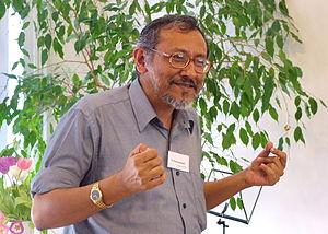 Probal Dasgupta - Probal Dasgupta speaking at an open house of the central office of the Universala Esperanto-Asocio, spring 2008