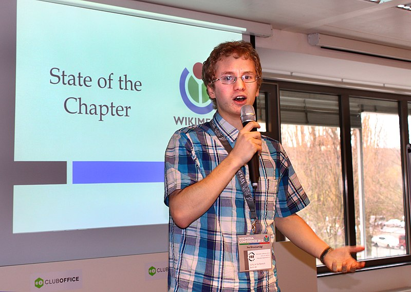 File:2012 WM Conf Berlin - State of the Chapters 9265.jpg